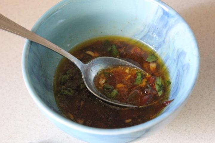 Фото рецепта - Кисло-сладкий чесночный соус к рыбе - шаг 6