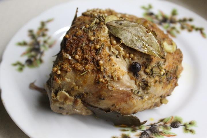 Фото рецепта - Буженина из говядины с чесноком и лавром (в фольге) - шаг 5