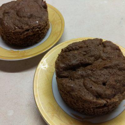 Фото рецепта - Быстрый бананово-ореховый кекс в микроволновке - шаг 4