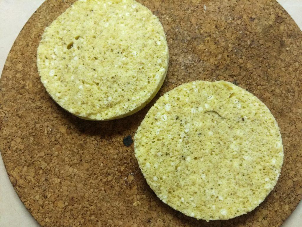 Фото рецепта - Хлеб по Дюкану из творога (в микроволновке) - шаг 5