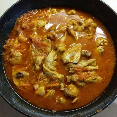Кролик, тушенный в томатном соусе - рецепт с фото
