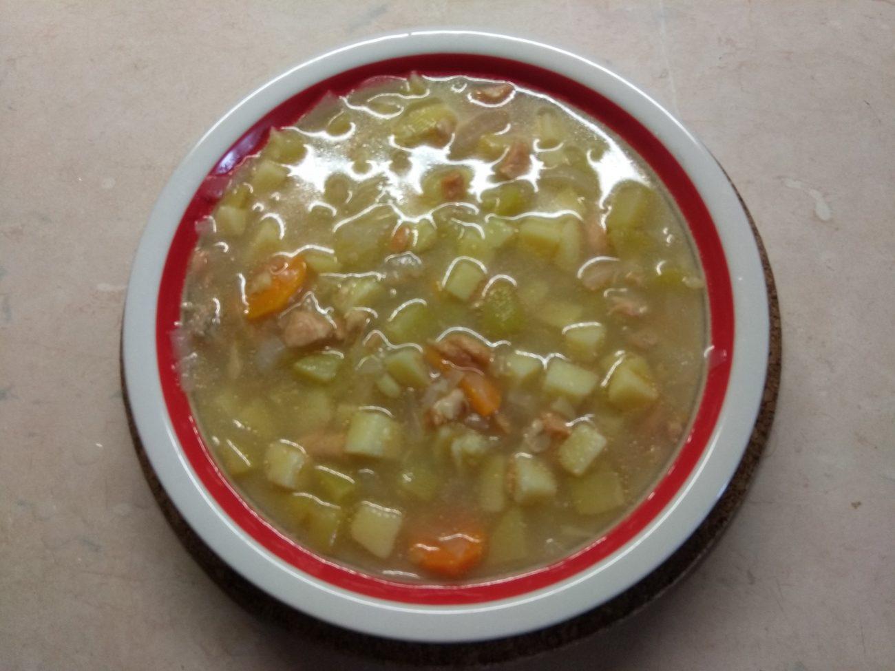 Картофельный суп с лососем и кабачком (на сыворотке)