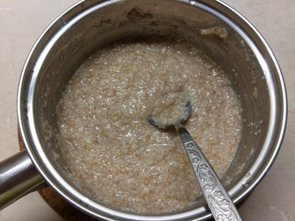 Фото рецепта - Болгарский перец, фаршированный килькой и пшеничной крупой - шаг 1
