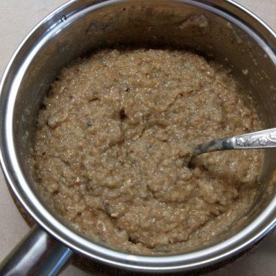 Фото рецепта - Болгарский перец, фаршированный килькой и пшеничной крупой - шаг 2