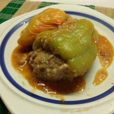 Фото рецепта - Болгарский перец, фаршированный килькой и пшеничной крупой - шаг 5