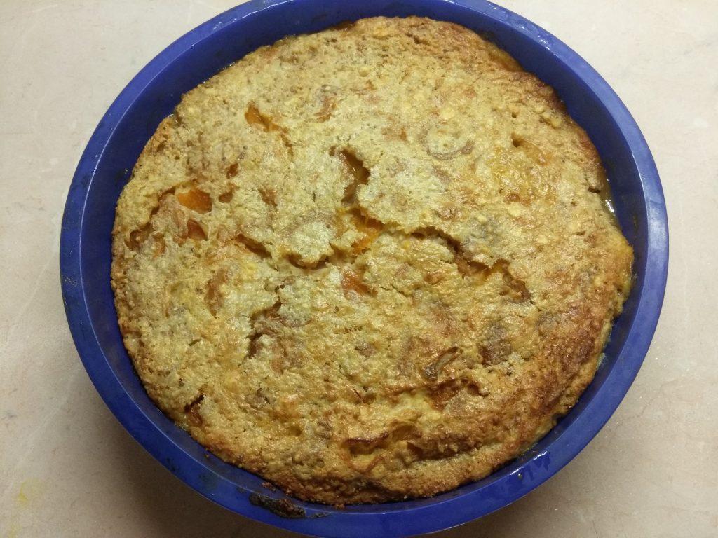 Фото рецепта - Клафути с абрикосовым вареньем (заливной пирог) - шаг 5