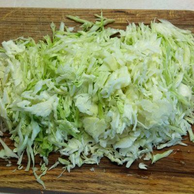 Фото рецепта - Белокочанная капуста, тушенная по-восточному - шаг 3