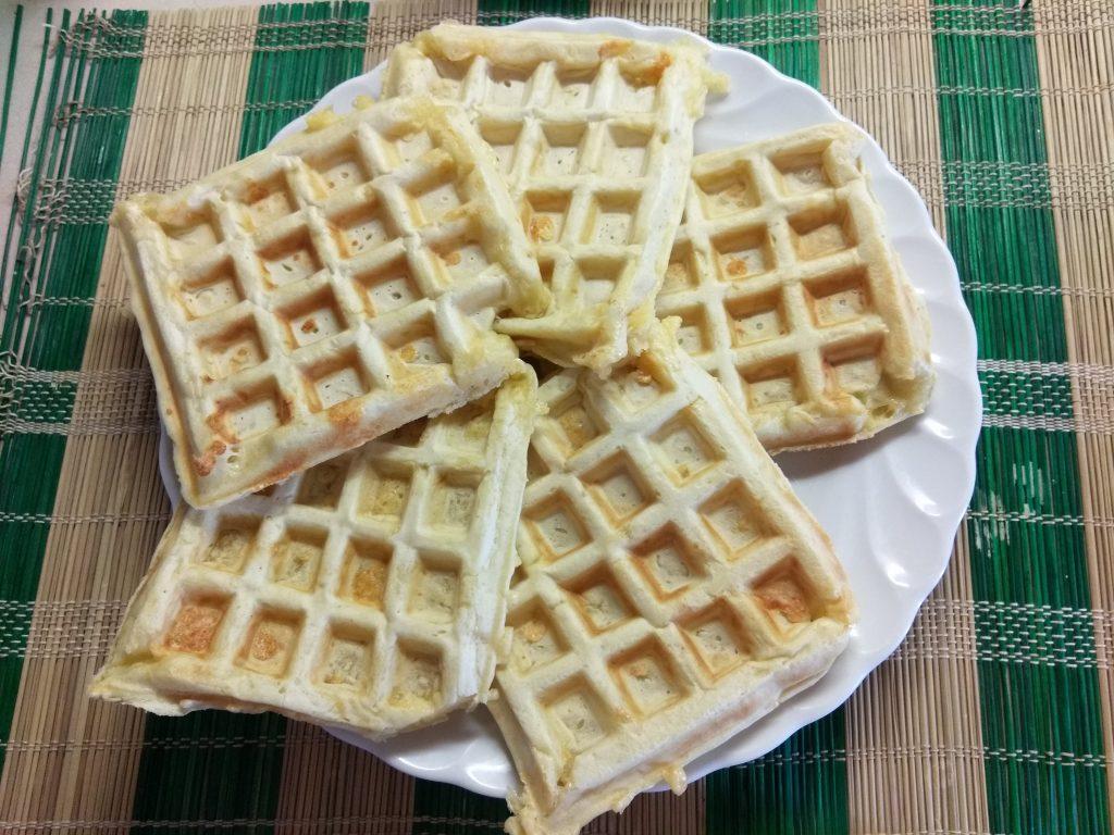 Фото рецепта - Сырные вафли на молоке - шаг 6
