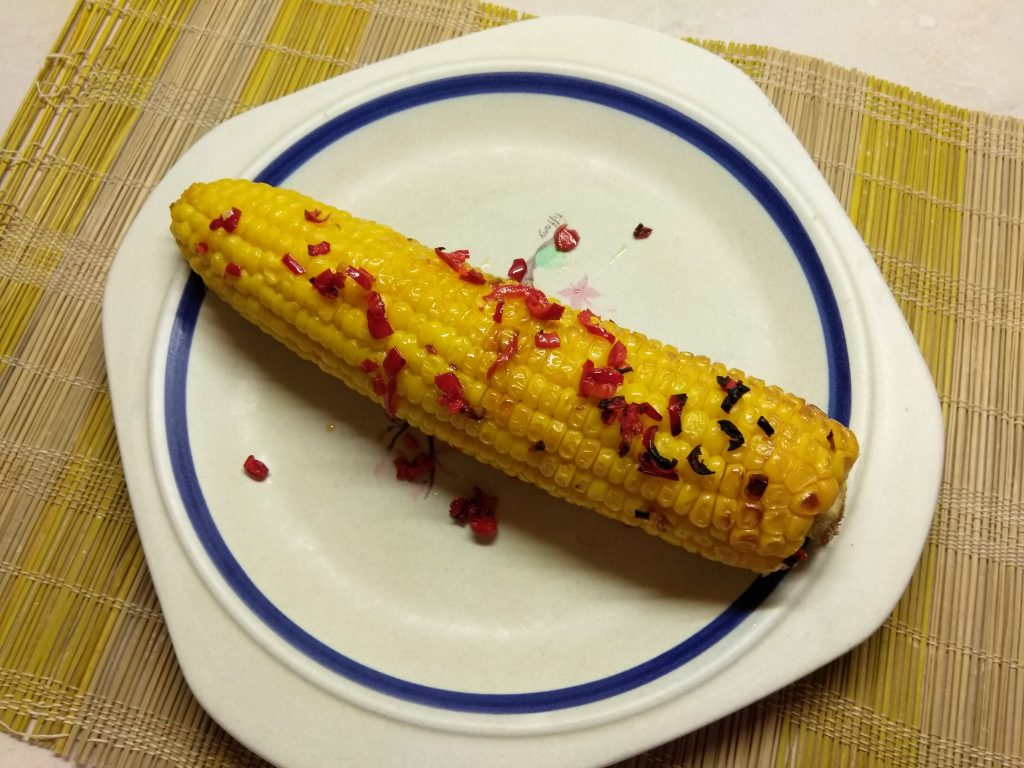 Фото рецепта - Запеченная кукуруза с перцем чили, в фольге - шаг 5