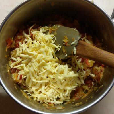Фото рецепта - Запеченные кабачки, фаршированные помидорами и сыром - шаг 6