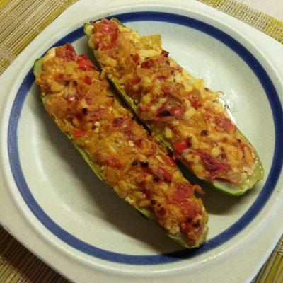 Фото рецепта - Запеченные кабачки, фаршированные помидорами и сыром - шаг 8