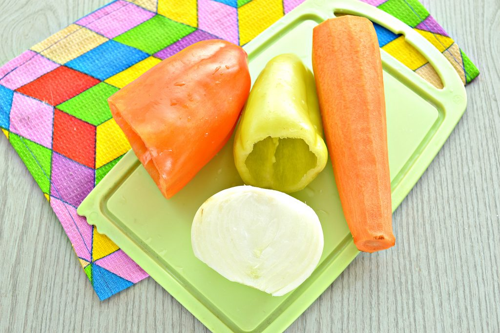 Фото рецепта - Универсальная замороженная заправка для супа - шаг 1