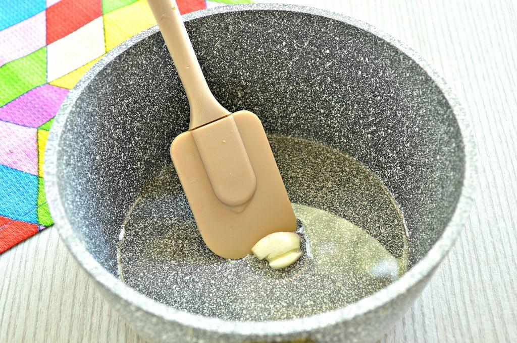 Фото рецепта - Грибной соус из шампиньонов - шаг 1