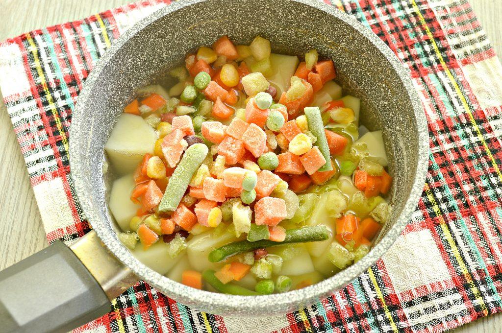 Фото рецепта - Картофель, тушенный с мексиканской овощной смесью и фаршем - шаг 3