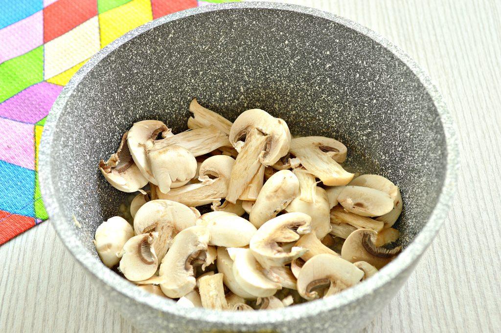 Фото рецепта - Грибной соус из шампиньонов - шаг 3