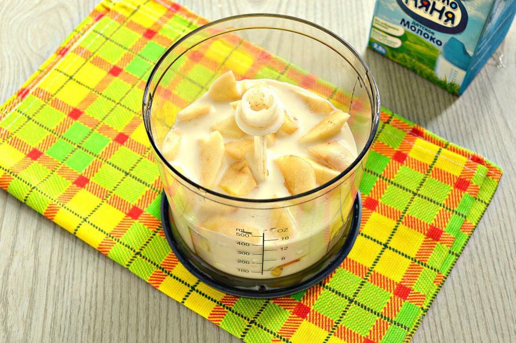 Фото рецепта - Молочный коктейль с яблоком и медом - шаг 4