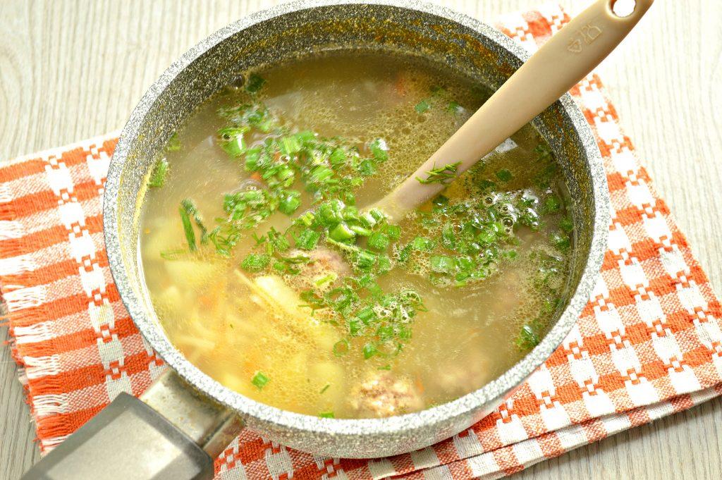 Фото рецепта - Суп-лапша с мясными фрикадельками - шаг 5