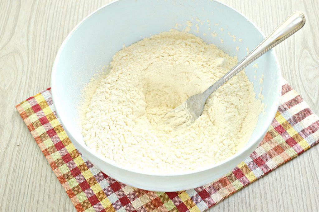 Фото рецепта - Тесто для вареников на кефире - шаг 4