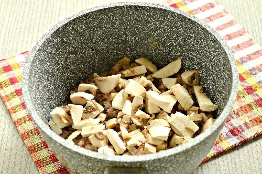 Фото рецепта - Блины, фаршированные свиным фаршем и грибами - шаг 5