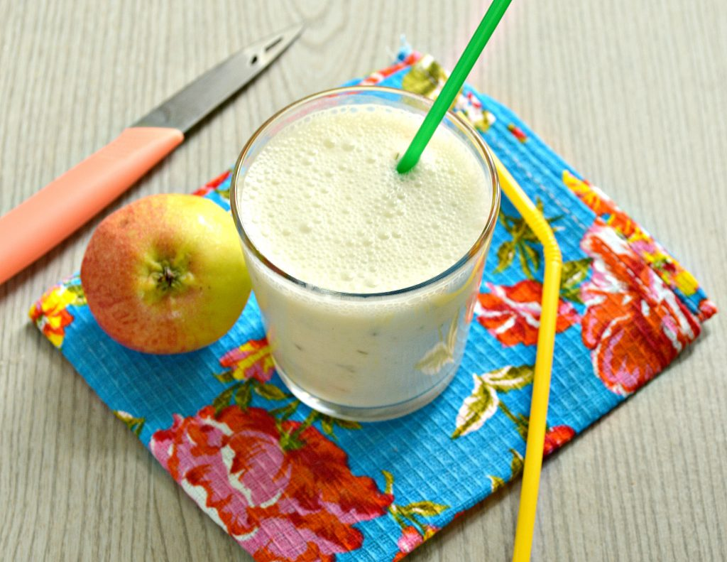 Фото рецепта - Смузи из огурцов с яблоком - шаг 6