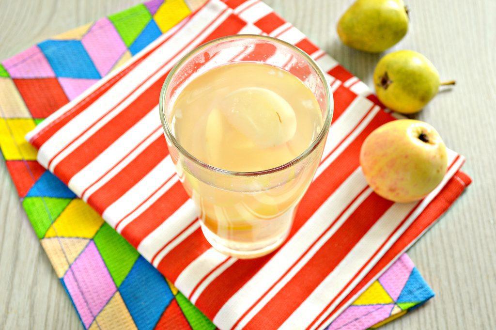 Фото рецепта - Компот из груш и яблок - шаг 6