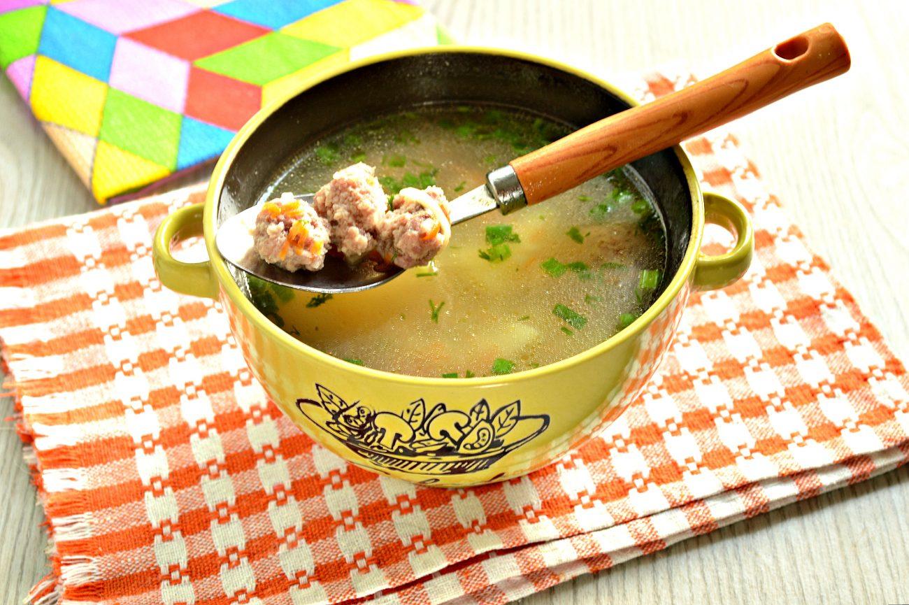 Суп-лапша с мясными фрикадельками