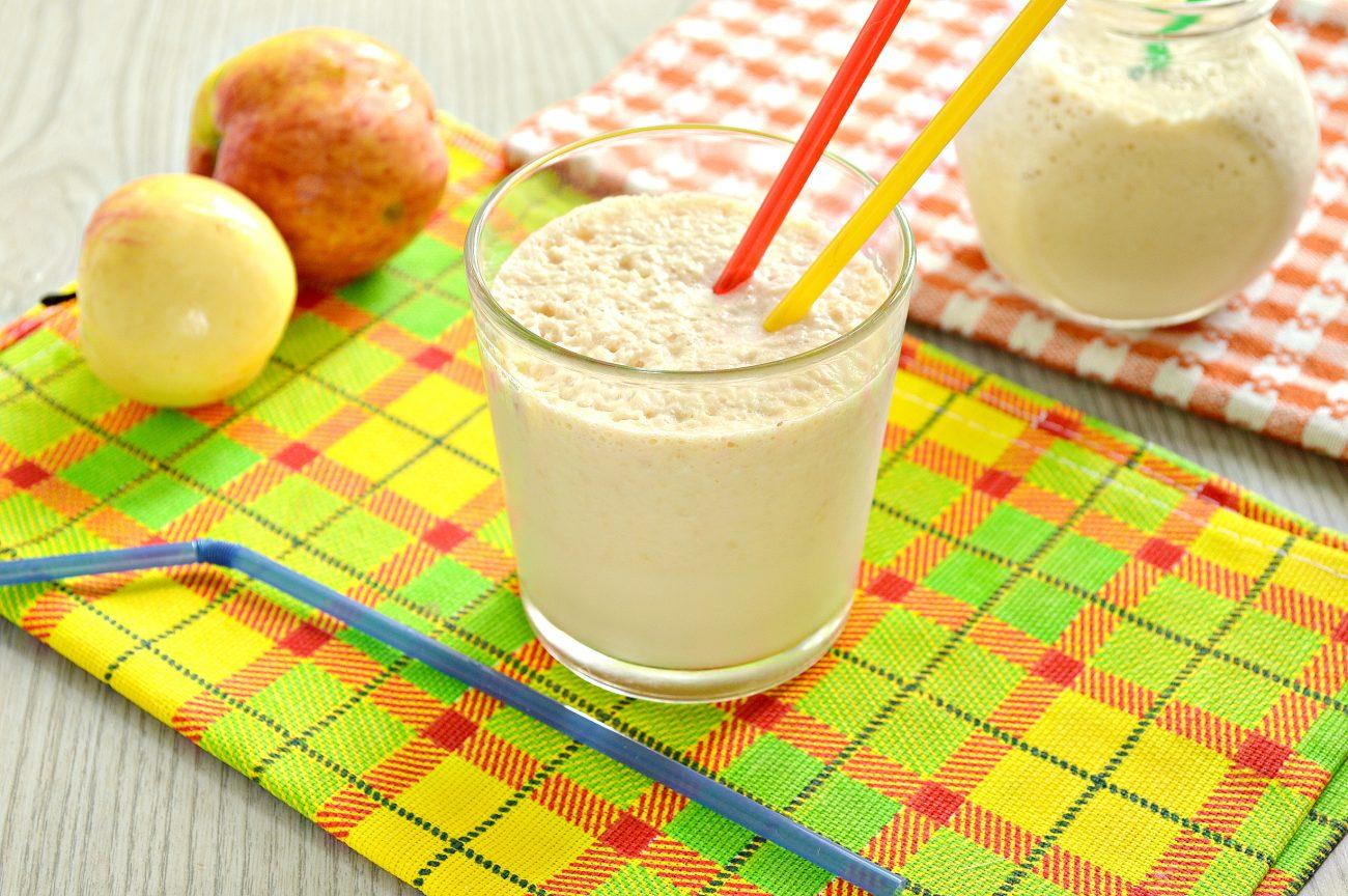 Молочный коктейль с яблоком и медом