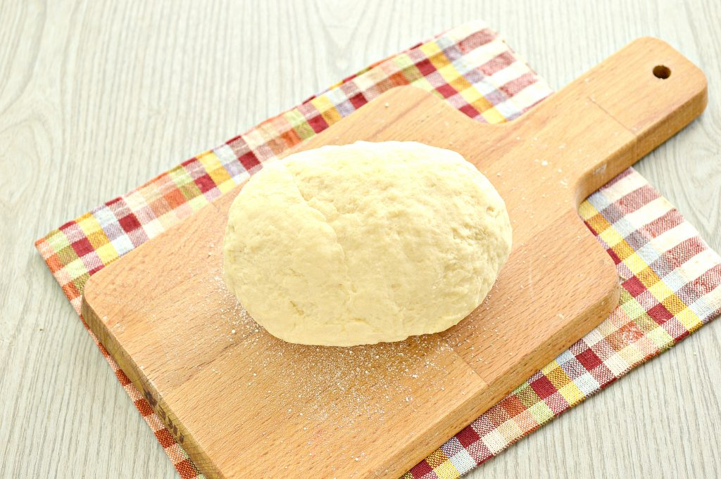 Фото рецепта - Тесто для вареников на кефире - шаг 6