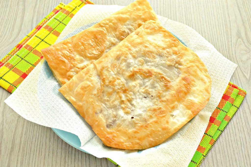 Фото рецепта - Ленивые чебуреки из лаваша на сковороде - шаг 7