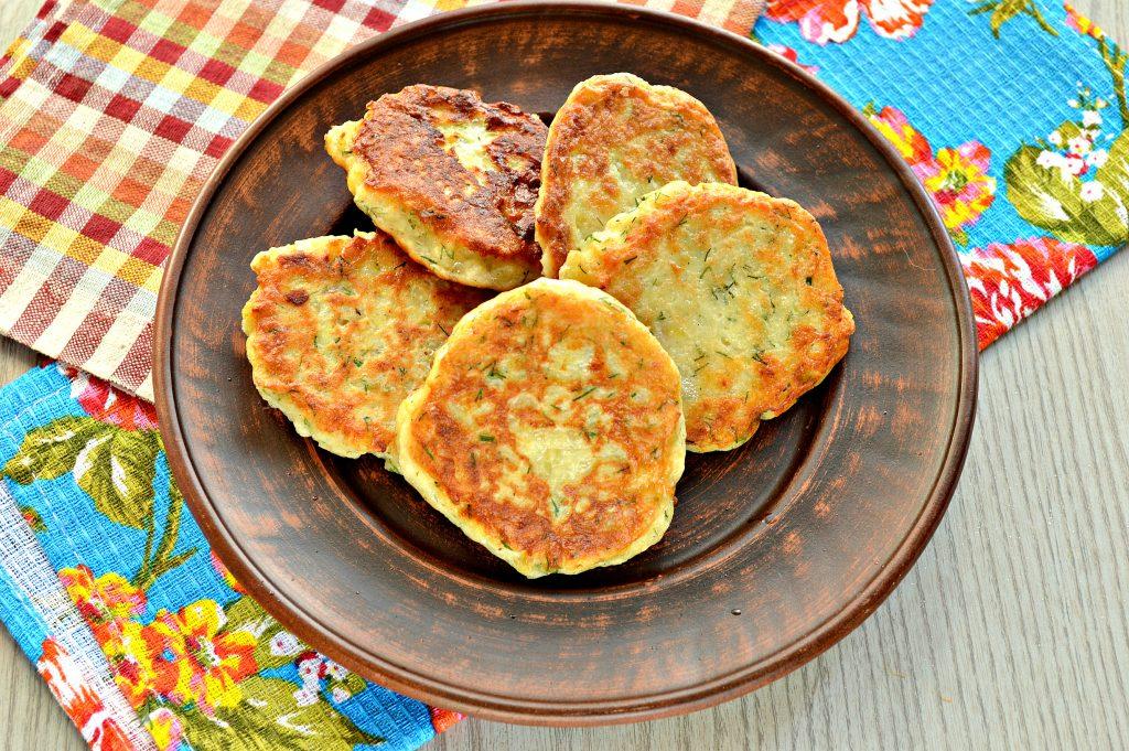 Фото рецепта - Картофельные оладьи из вареного картофеля - шаг 7