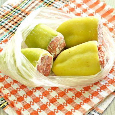 Замороженный фаршированный перец - рецепт с фото