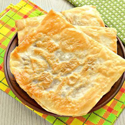 Ленивые чебуреки из лаваша на сковороде - рецепт с фото