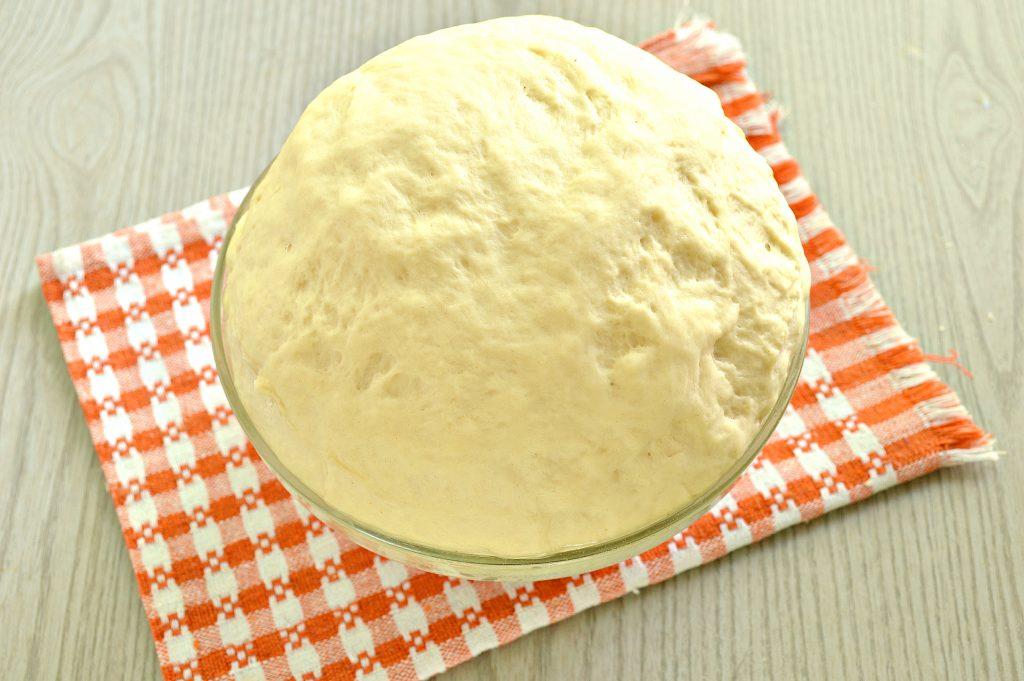 Фото рецепта - Быстрое дрожжевое тесто на воде для пирожков - шаг 8
