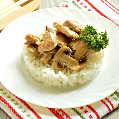 Свинина с шампиньонами в майонезе - рецепт с фото