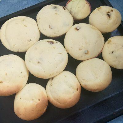 Творожные кексы с финиками - рецепт с фото