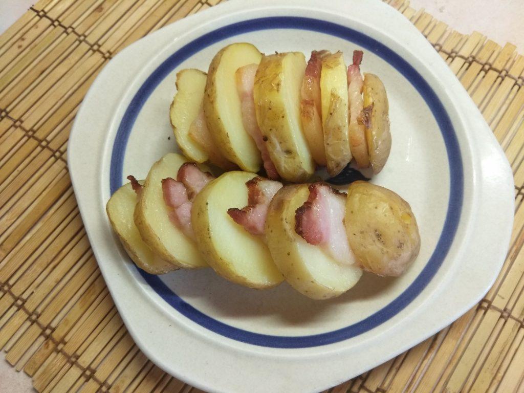 Фото рецепта - Шашлык из картофеля и грудинки - шаг 6