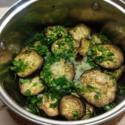 Острые маринованные баклажаны с чесноком - рецепт с фото
