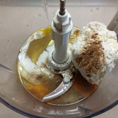 Фото рецепта - Творожная запеканка с яблоками и овсянкой - шаг 4