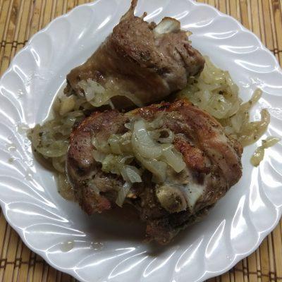 Индюшиное бедро, запеченное в травах (запеченное в рукаве) - рецепт с фото