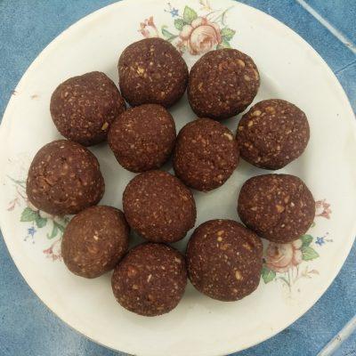 Домашние конфеты из фиников и арахиса - рецепт с фото