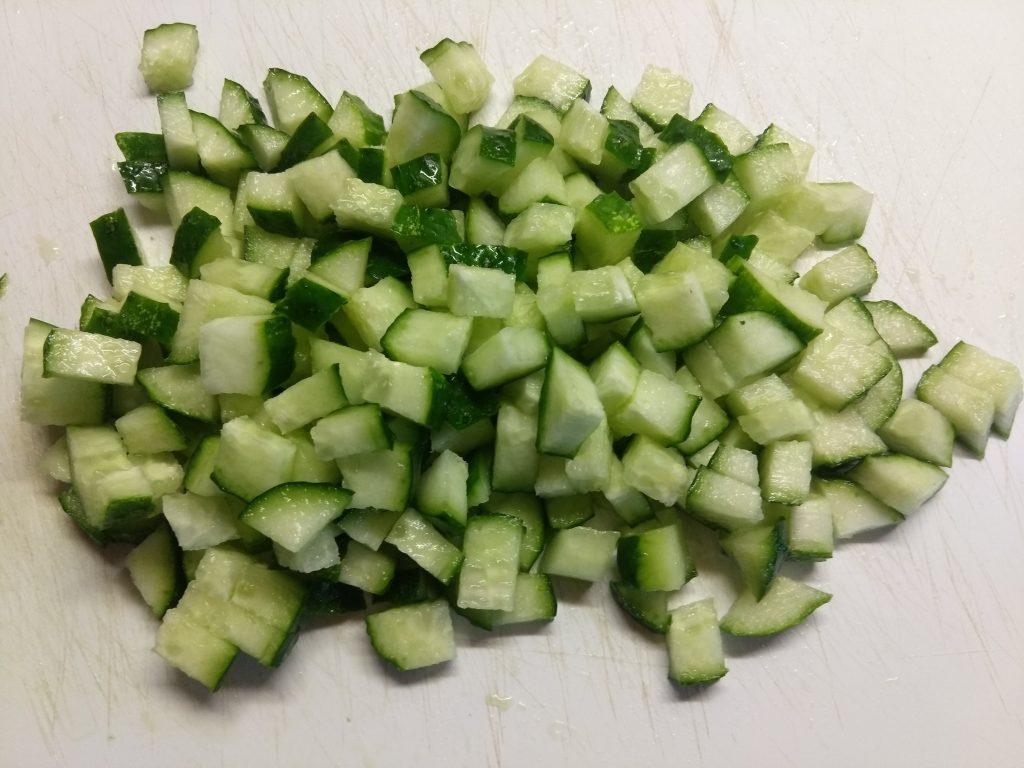 Фото рецепта - Яичный салат с балыком, морковью и сыром бри - шаг 2