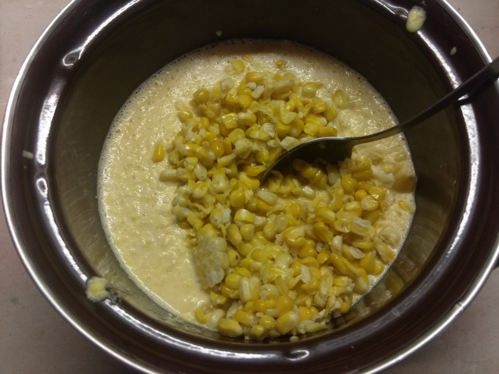 Фото рецепта - Оладьи из молодой кукурузы на молоке - шаг 3