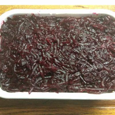 """Фото рецепта - Овощной салат """"Селедка под шубой"""" - шаг 6"""