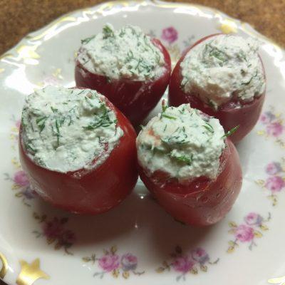Помидоры, фаршированные фетой с зеленью - рецепт с фото