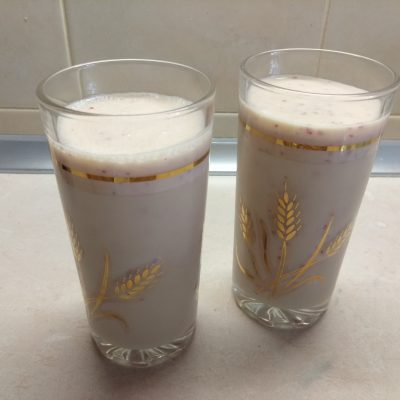 Коктейль с боярышником и медом на кефире - рецепт с фото