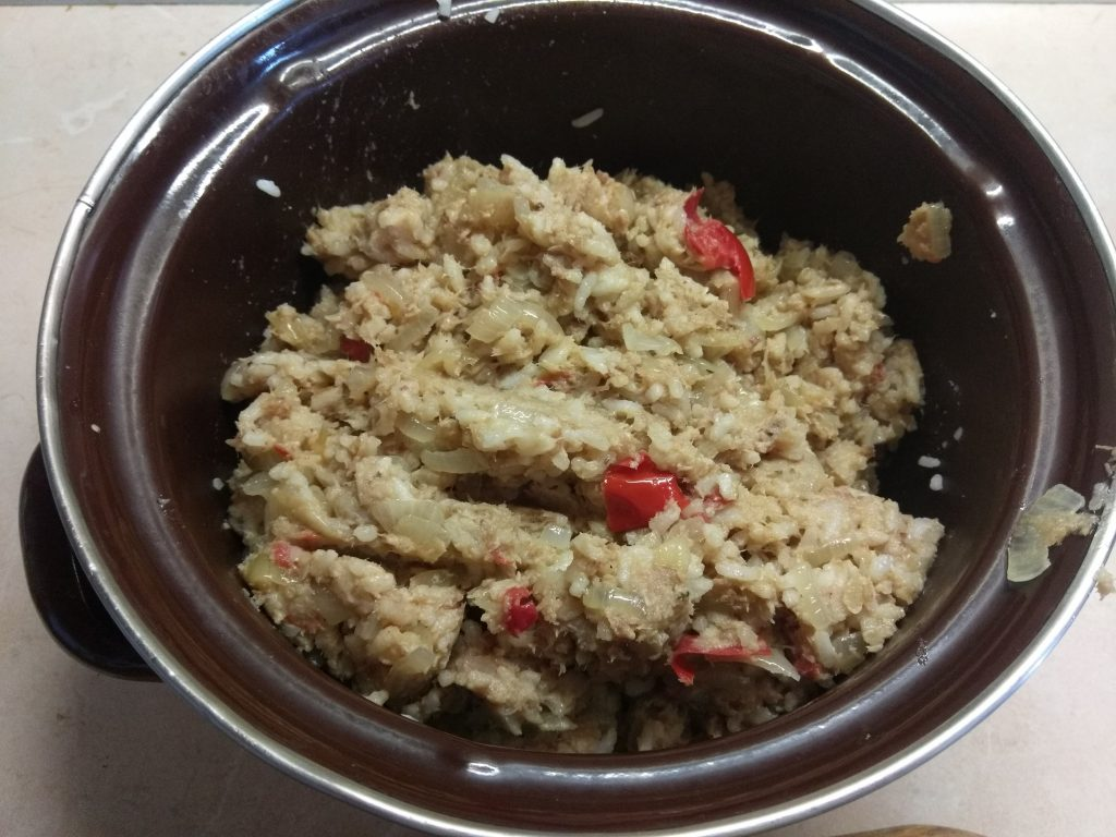 Фото рецепта - Рис по-флотски с перцем чили и помидорами - шаг 6