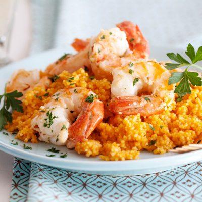 Кускус с жареными креветками и томатами - рецепт с фото