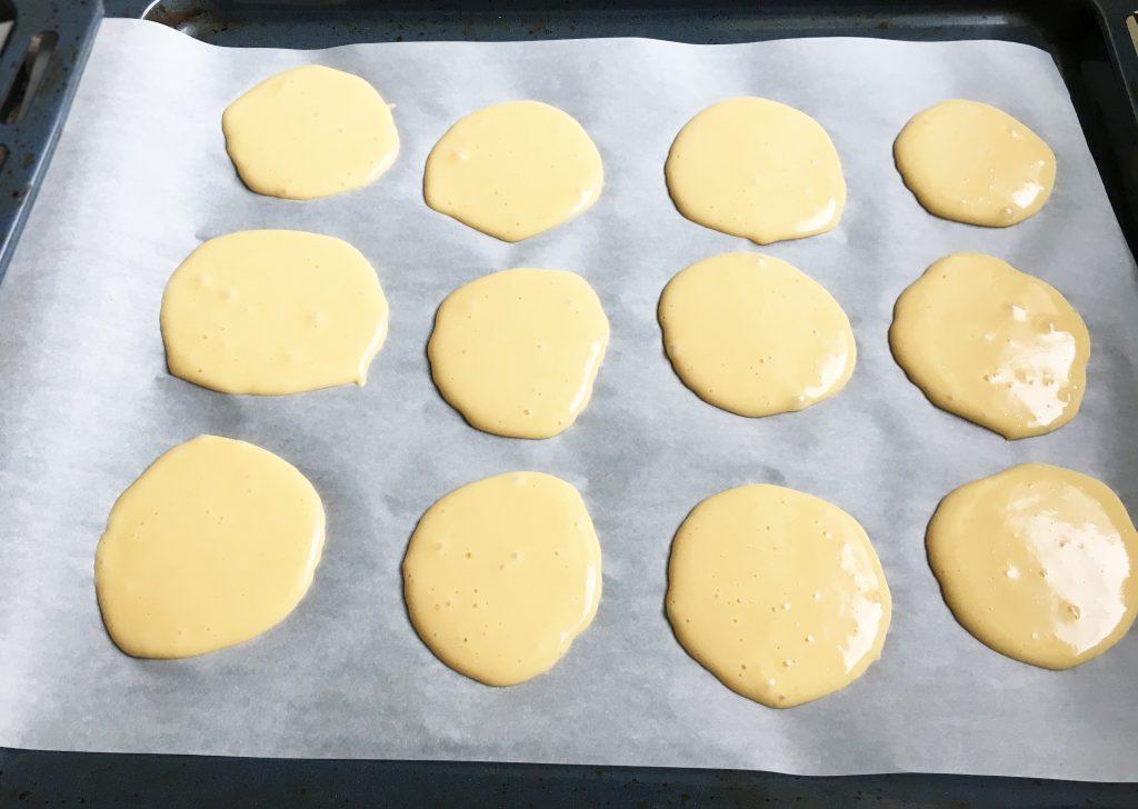 """Фото рецепта - Торт """"Черепаха"""" со сметанно-масляным кремом и миндалем - шаг 2"""