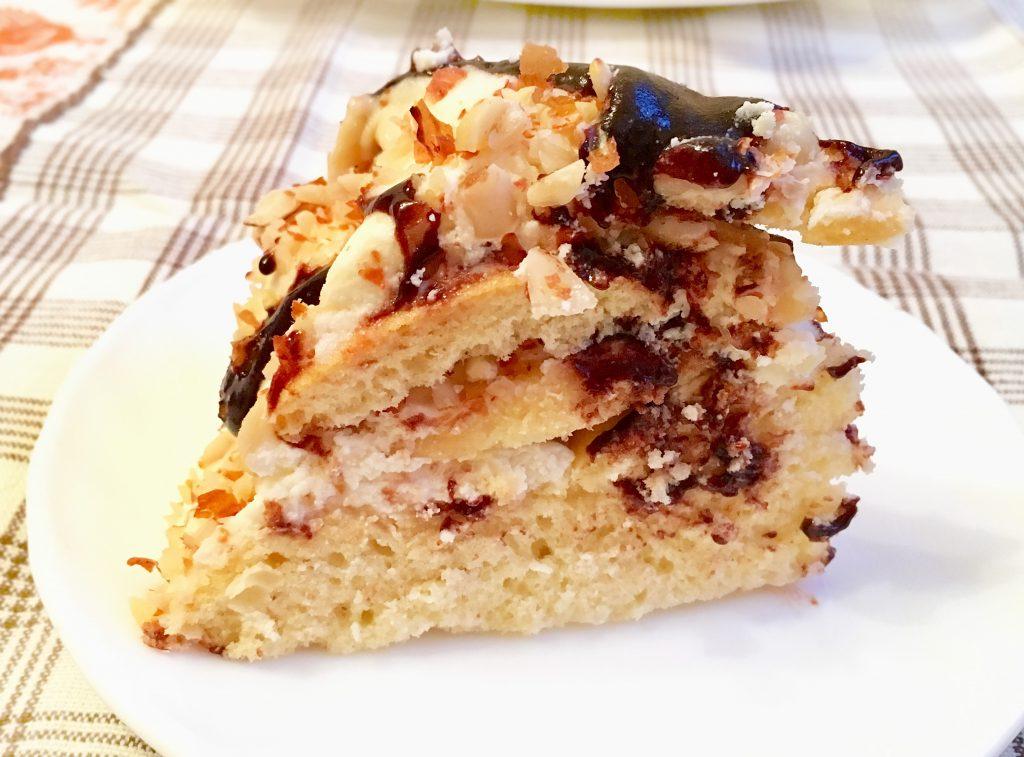 """Фото рецепта - Торт """"Черепаха"""" со сметанно-масляным кремом и миндалем - шаг 6"""