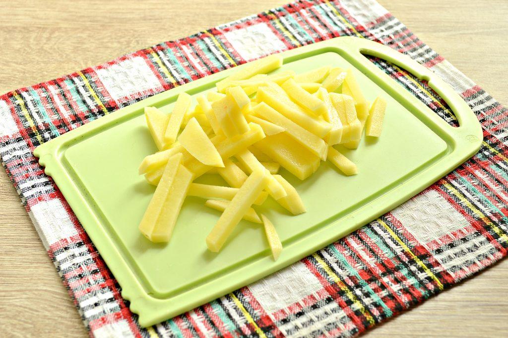 Фото рецепта - Лапшичный суп с индейкой - шаг 2